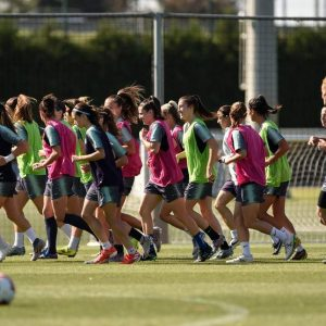 Barcelona urge Real Madrid to launch women's team and boost game in Spain